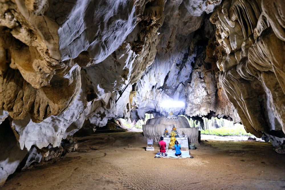 THAILAND CAVES_03
