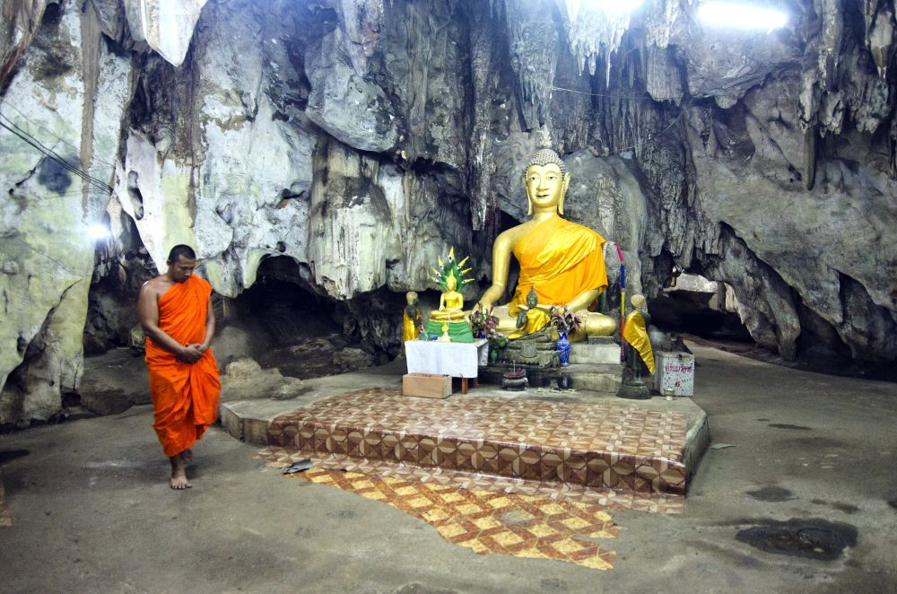 THAILAND CAVES_25