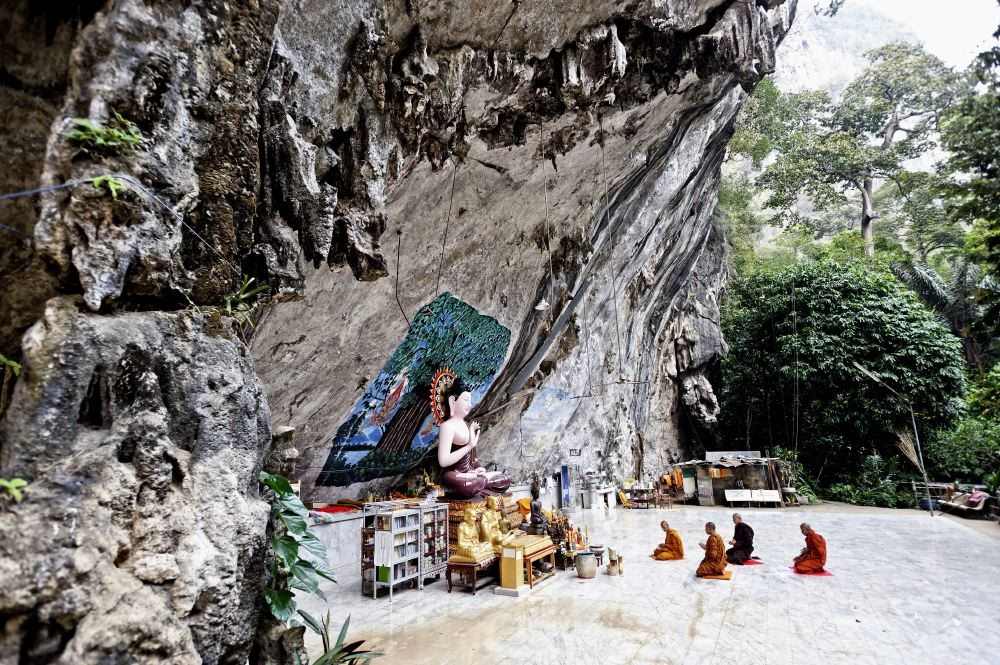 THAILAND CAVES_02